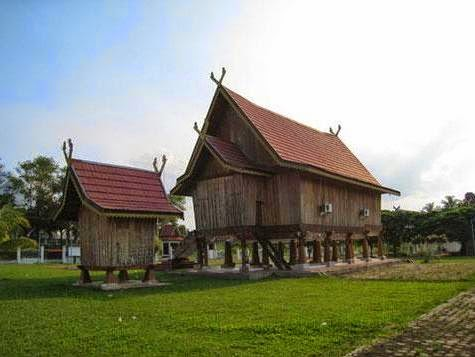 Rumah Adat Panjang