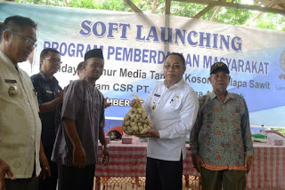Wakil Bupati OKI Motivasi Kelompok Budidaya Jamur Binaan PT Samporna Agro