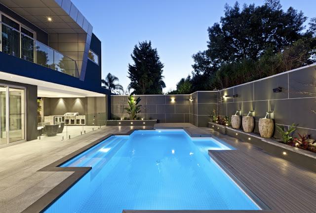 10 Desain Kolam Renang Rumah Menakjubkan