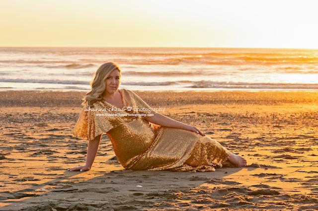 maternity beach photos Oregon photographer