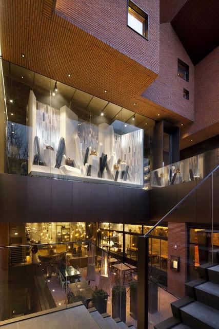 diseño interior con tiendas iluminación cálida