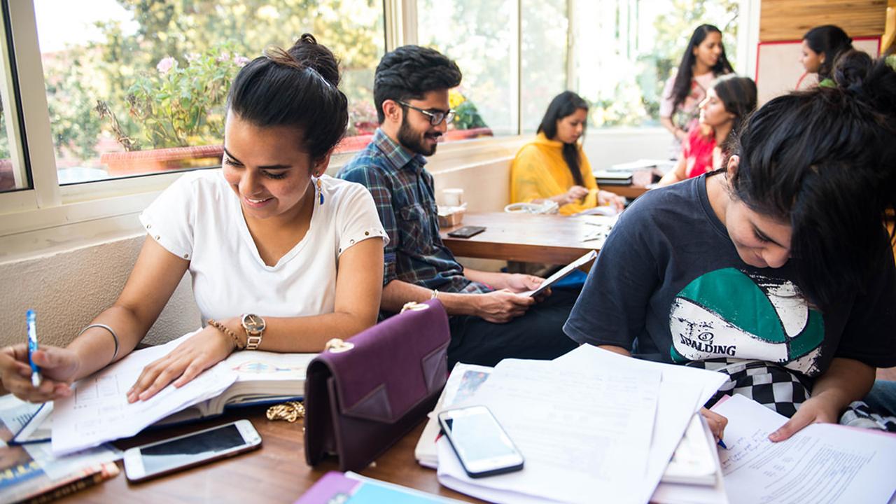 Suasan kampus di India
