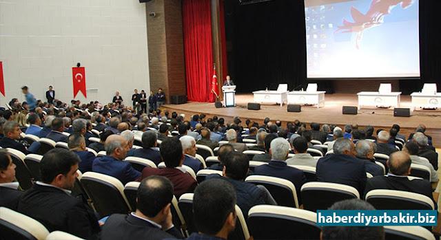 """DİYARBAKIR-Diyarbakır'da İl Gıda, Tarım ve Hayvancılık Müdürlüğü tarafından """"2017 Süne Mücadelesi Bilgilendirme Toplantısı"""" düzenlendi."""