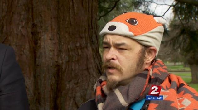 Oregon Man wins fight to wear 'silly' fox hat in drivers license photo