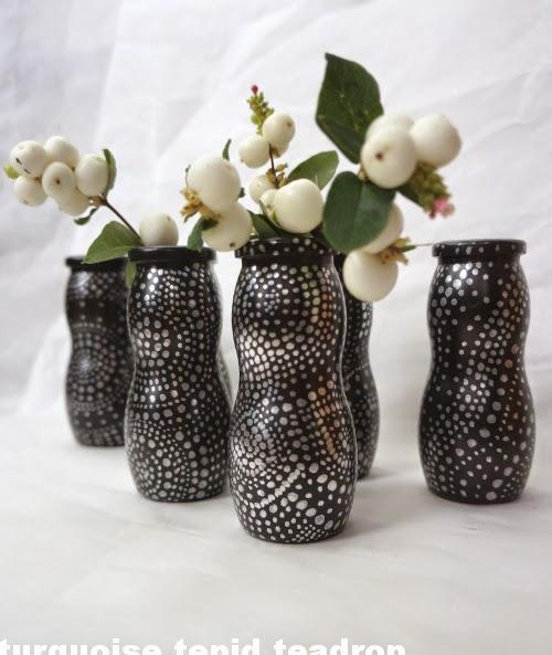 turquoise tepid teadrop recycling basteln minivasen upcycling miniature vases. Black Bedroom Furniture Sets. Home Design Ideas