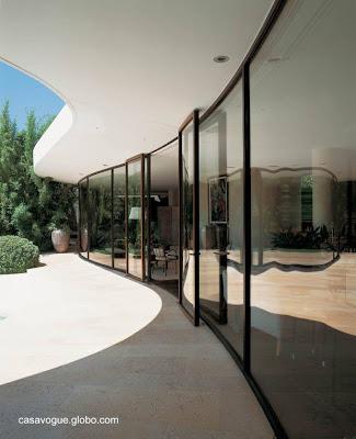 Detalle arquitectónico de la Casa de Nara Mondadori en Cap Ferrat, Francia