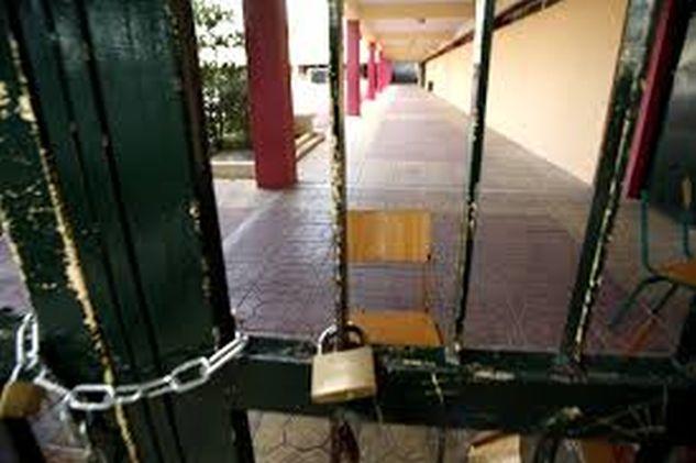 Η ΑΠΟΛΥΤΗ ΚΑΤΑΝΤΙΑ σε Ελληνικό σχολείο! Μια χούφτα Αλβανοί το κατέλαβαν και δεν αφήνουν να λειτουργήσει!