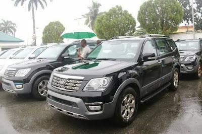 Gov Ikpeazu gives brand new SUVs to Abia State Judges