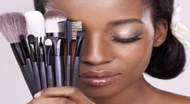 Beaute-astuce-femme-maquillage-noire-coiffure-cheveux-Eyebrow-charme-tissage-LeukSenegal-Dakar-Senegal-Afrique-teint