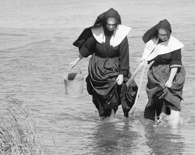 Nuns clamming on Long Island