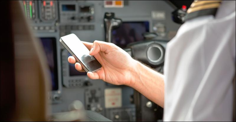 قد يسمح باستخدام الشبكات الخليوية على الطائرات قريبًا