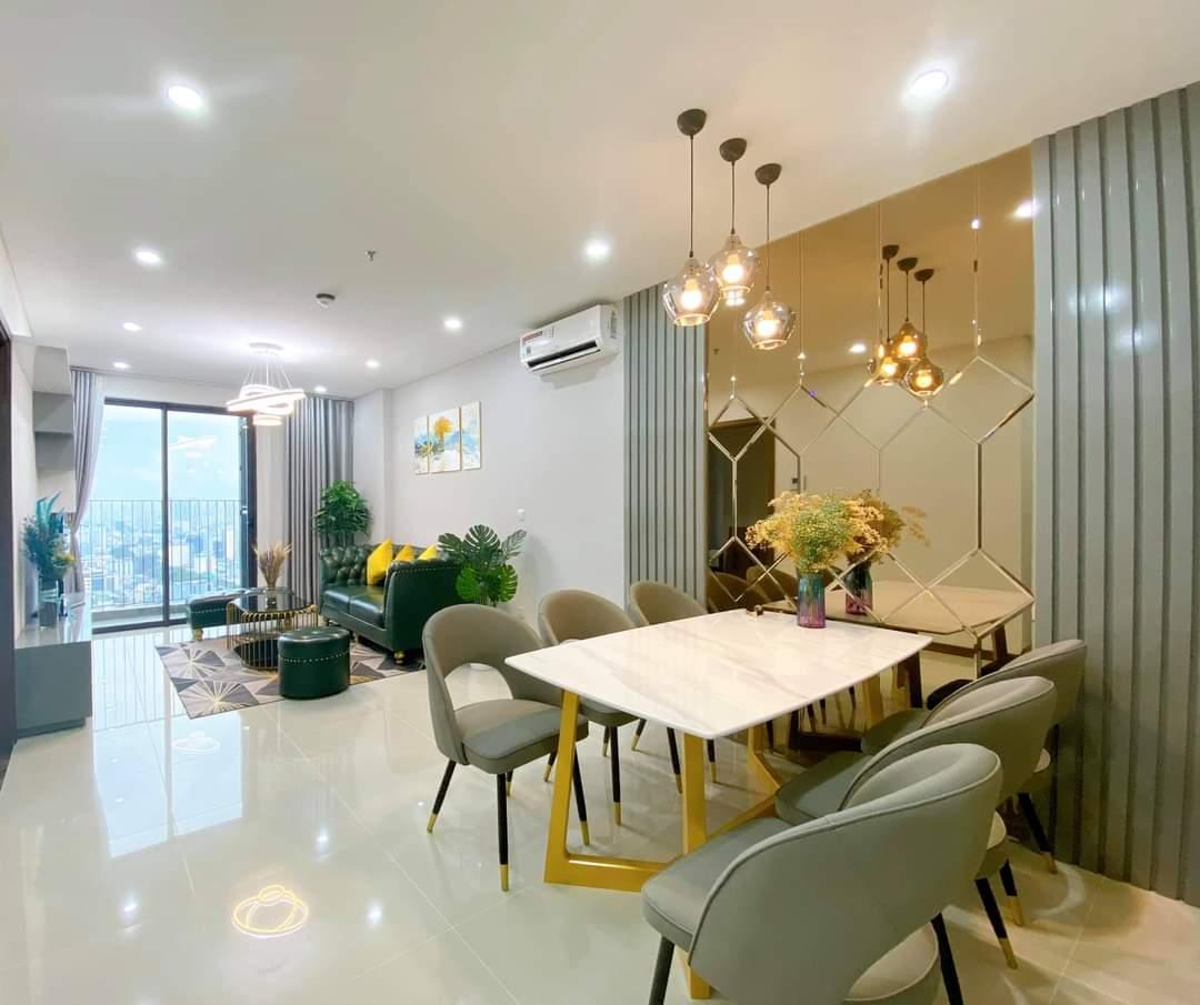 phòng ăn căn hộ hado centrosa garden