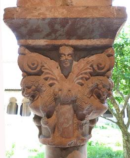 ROMÁNICO EN NUEVA YORK. THE CLOISTERS MET. Claustro de Saint Michel de Cluxa. Capitel 8
