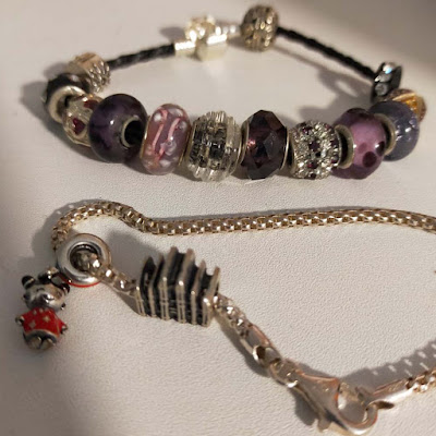 Pandora Jewelry Review - Pandora bracelets and Pandora beads are a great gift idea