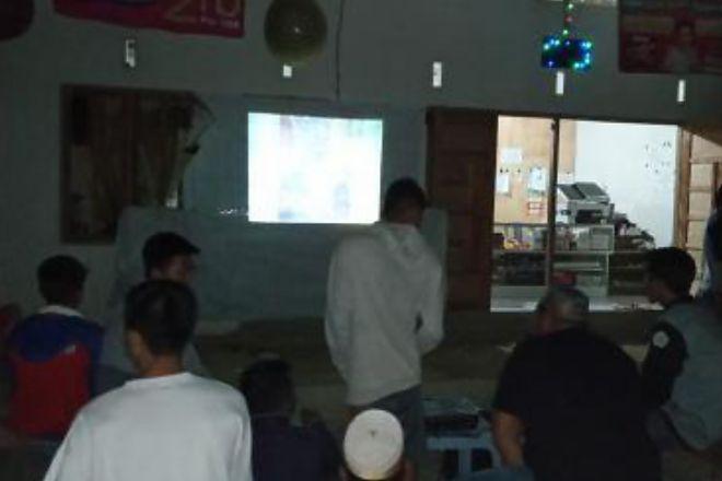 Warga Lamuru Nobar Film G30S/PKI untuk Kenang Pahlawan