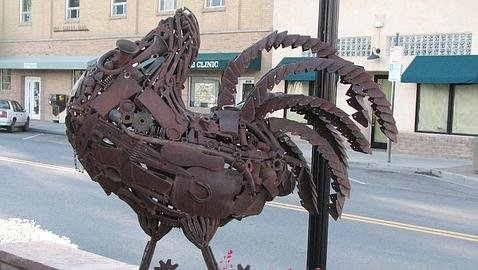 Pollo Mike - Escultura