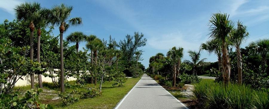 Boca Grande Bicycle Trail, construido sobre el espacio por el que circulaban los trenes