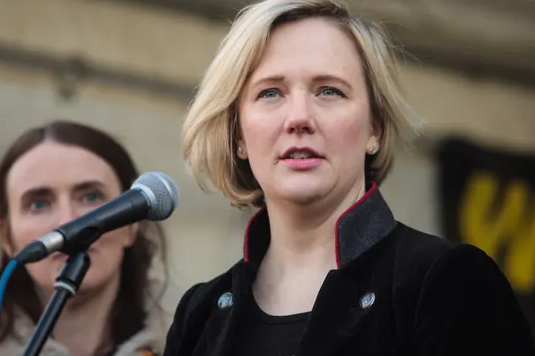 Stella Creasy: MPs' principles expert does not perceive maternity leave