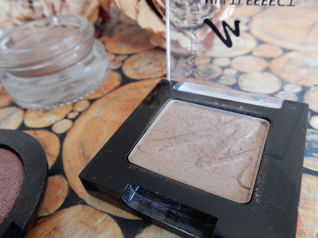 Manhattan - Multi Effect Eyeshadow in 92Q Frappucino Swatch