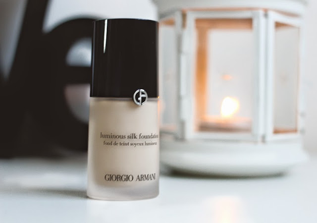 A beauty blogger reviews Giorgio Armani Luminous Silk Foundation