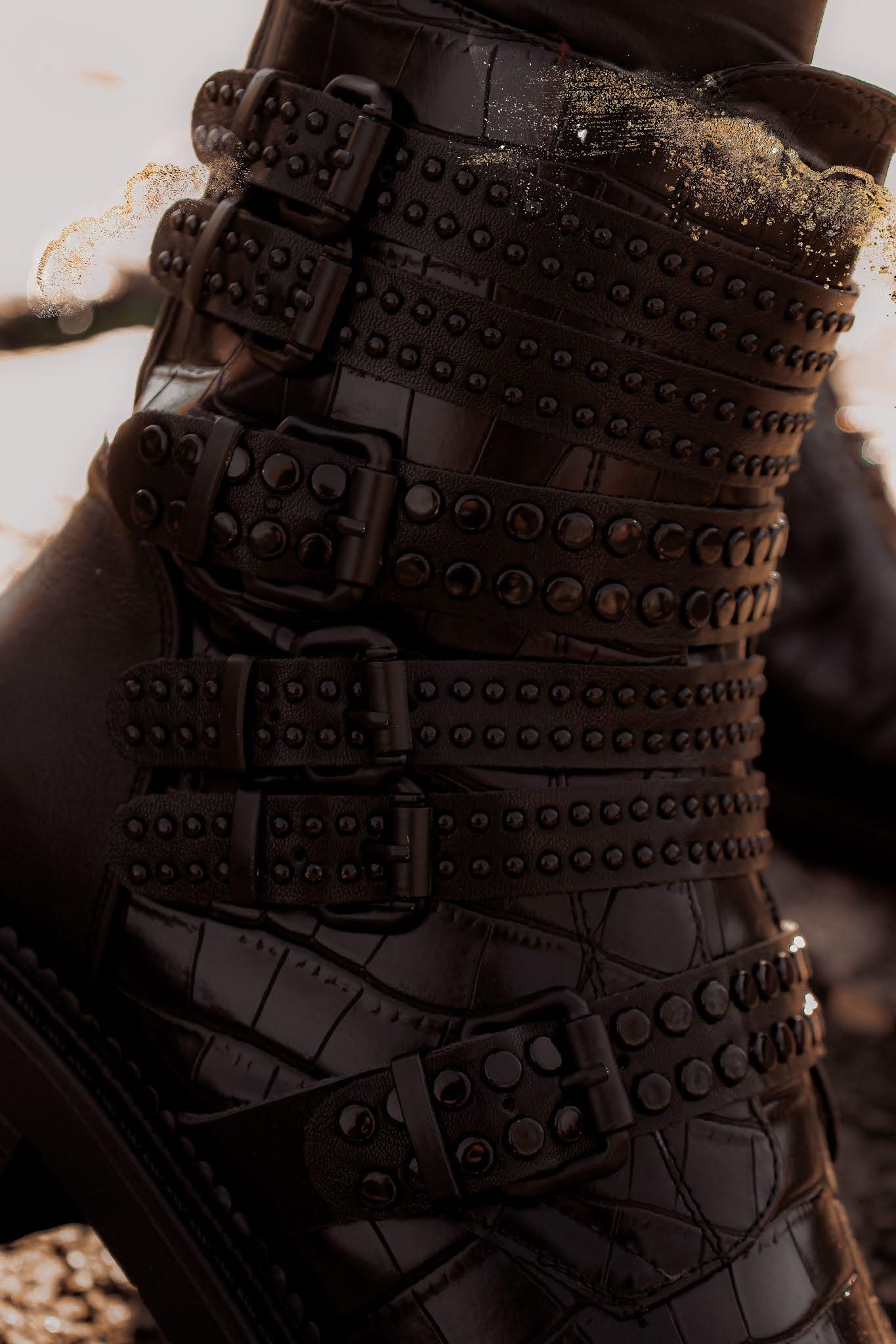 Moda in Pelle Eretina croc black ankle boots