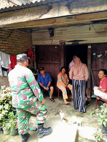 Gunakan Masker, Personel Jajaran Kodim 0207/Simalungun Himbau Warga Laksanakan Disiplin Protokol Kesehatan