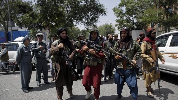 Penyanyi Afghanistan Diseret dan Dibunuh Taliban