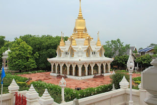 Wat Thai temple Buddhist tourism