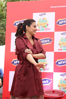 Kajol Looks super cute at the Launch of a New product McVites on 1st April 2017 21.JPG