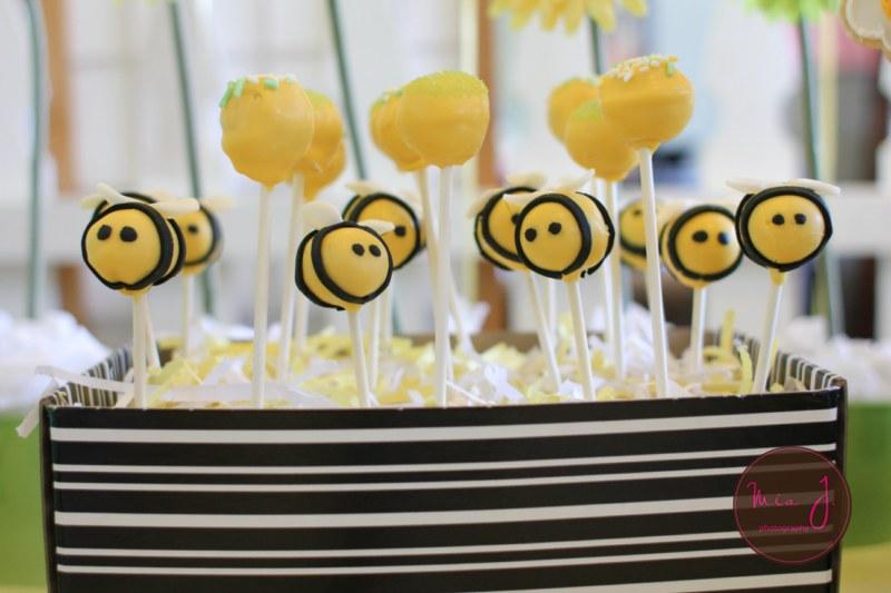 Bumble Bee Cake Pops Tutorial