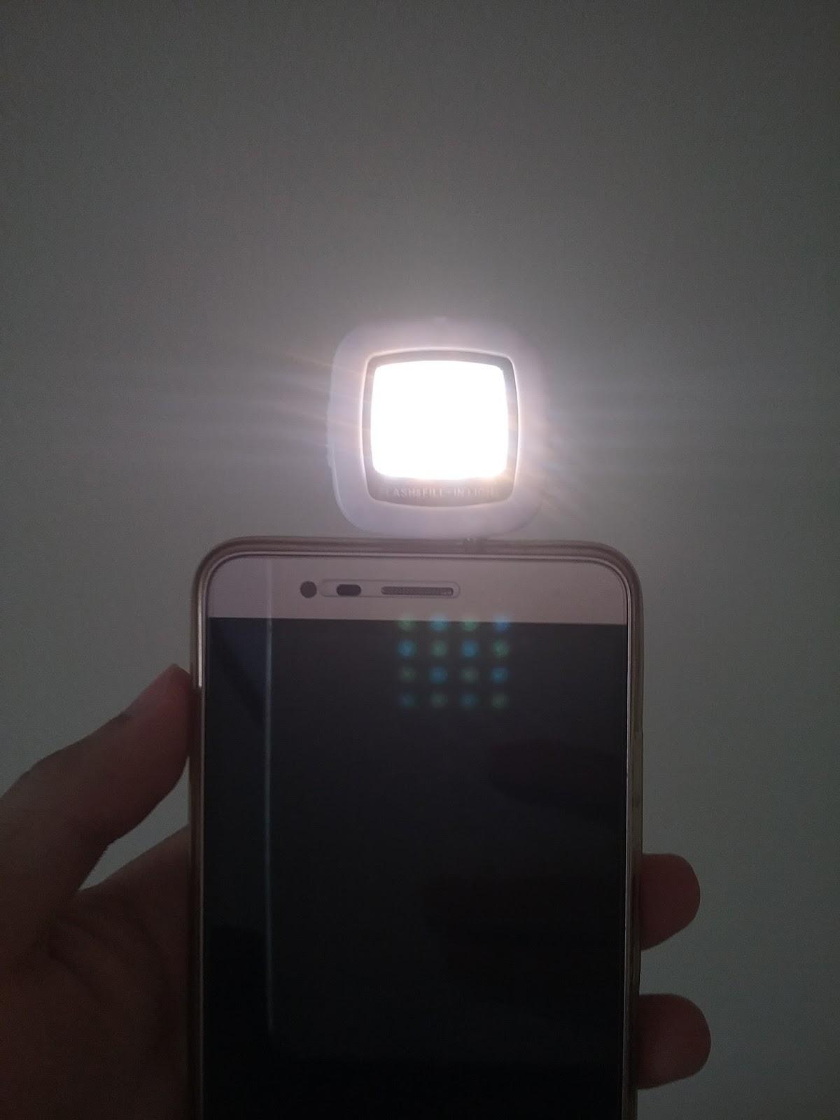 Điều chỉnh độ sáng bằng tay cho đèn selfie