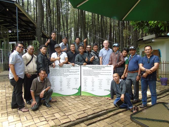 Status Masyarakat Dalam Dan Sekitar Kawasan Hutan - Pesisir Paloh 061af9a204