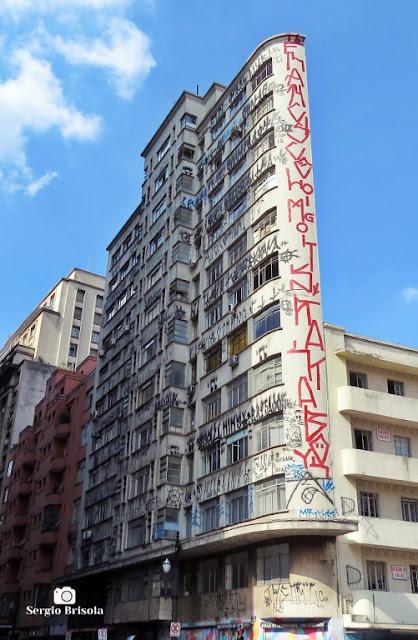 Vista ampla do curioso Edifício Joamar - Centro - São Paulo