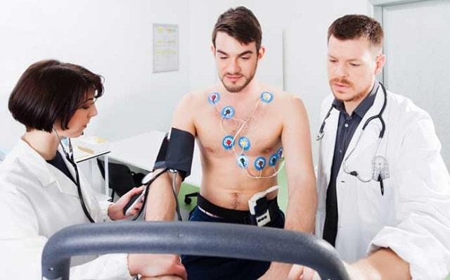 measure electrical heart activities electrocardiogram monitor health ecg
