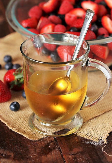 Mug of Vanilla Simple Syrup Image