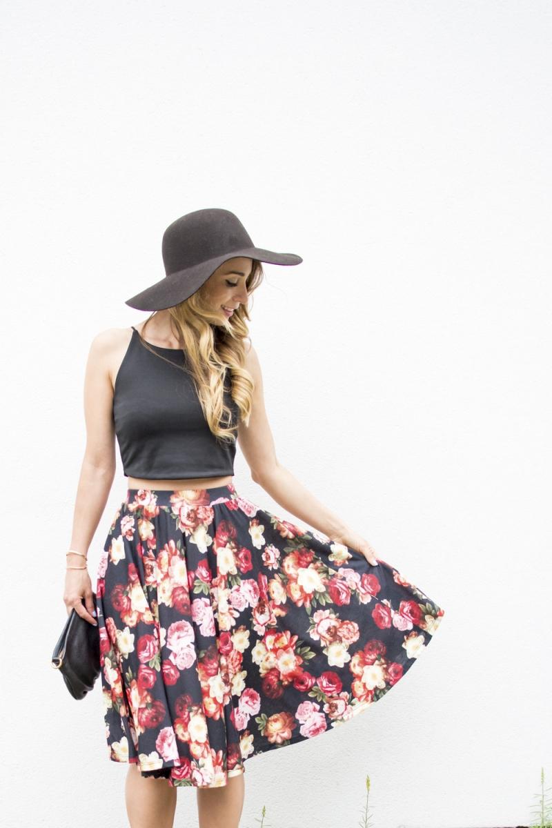 Gorgeous Midi Skirts for Spring - via BirdsParty.com