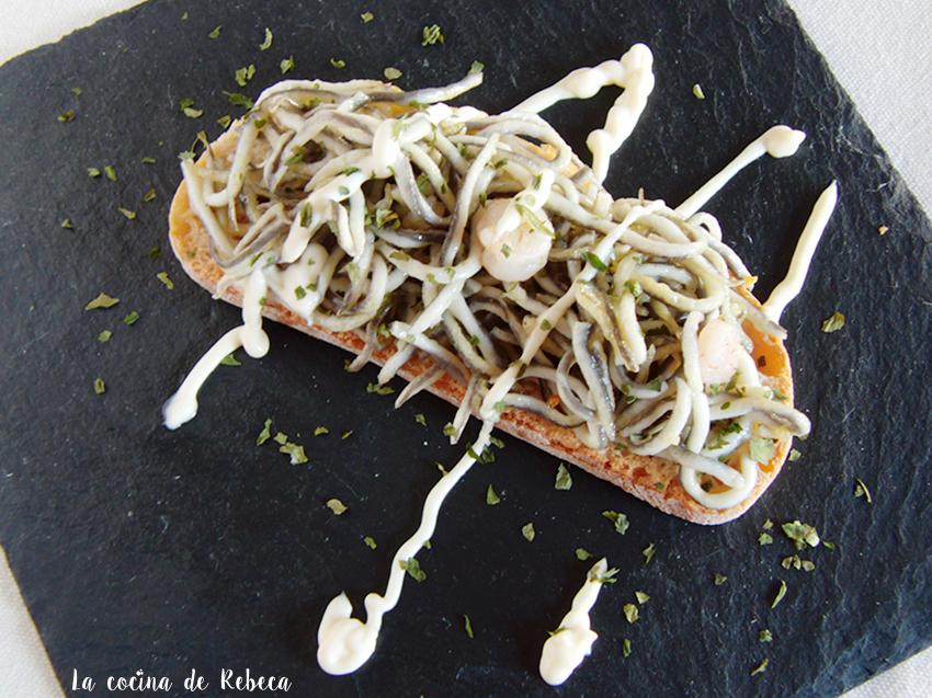 La Cocina De Rebeca Tosta De Gulas Con Gambas Y Ajonesa