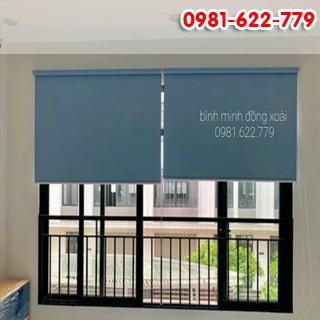 Rèm cuốn màu xanh biển nhẹ chống nắng cho cửa sổ xinh.công trình tại phước bình.