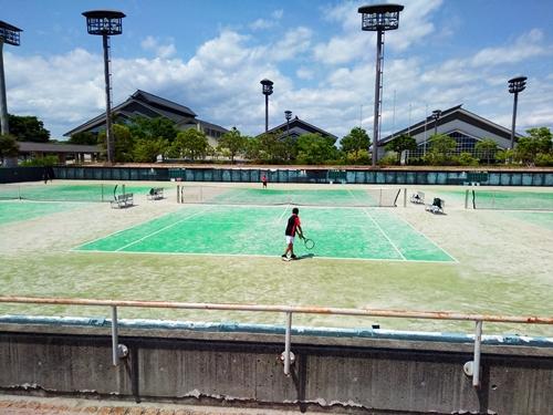 風薫る5月・絶好のテニス日和