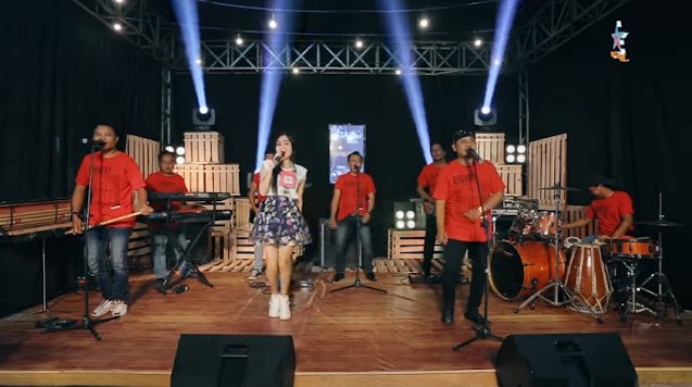video dan lirik lagu dangdut koplo Santai Saja - Nella Kharisma