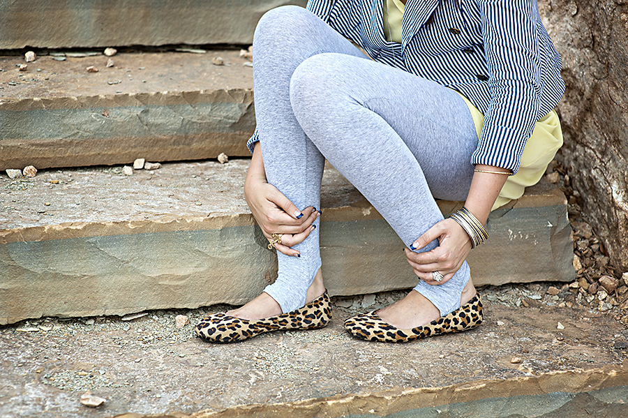 Grey Leggings, Leapard Flats
