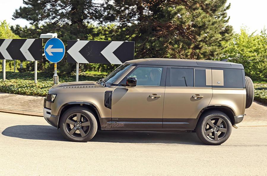 Land Rover Defender chuẩn bị được bổ sung động cơ V8 - Ôm mộng đấu Mercedes-AMG G63