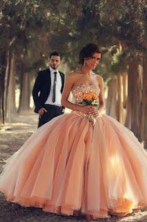 vestido de noiva laranja para noivas loiras
