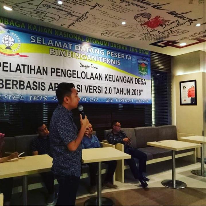 Ketua DPRD Kota Sungai Penuh Buka Bimtek Siskeudes
