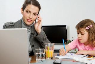 Madre e hija en el trabajo