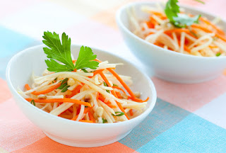 Radish Salad With Carrot (Havuclu Turp Salatasi)