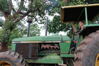 Man in tractor in Puriscal