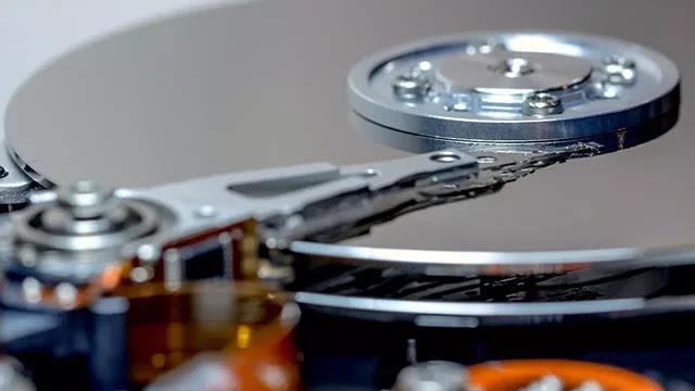 Augmenter les performances du disque dur sous Windows.
