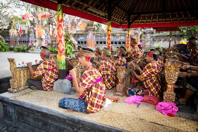 Musicisti Tempio Desa Batuan-Bali