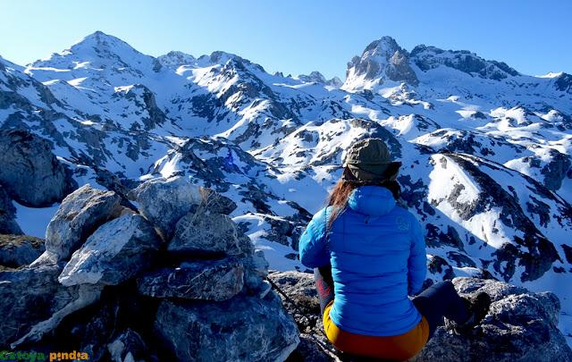 En la cima del Pico Conjurto en Picos de Europa